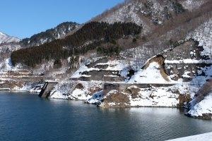 上大須ダム湖岸道路の崩壊